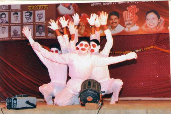 Mime on social issue